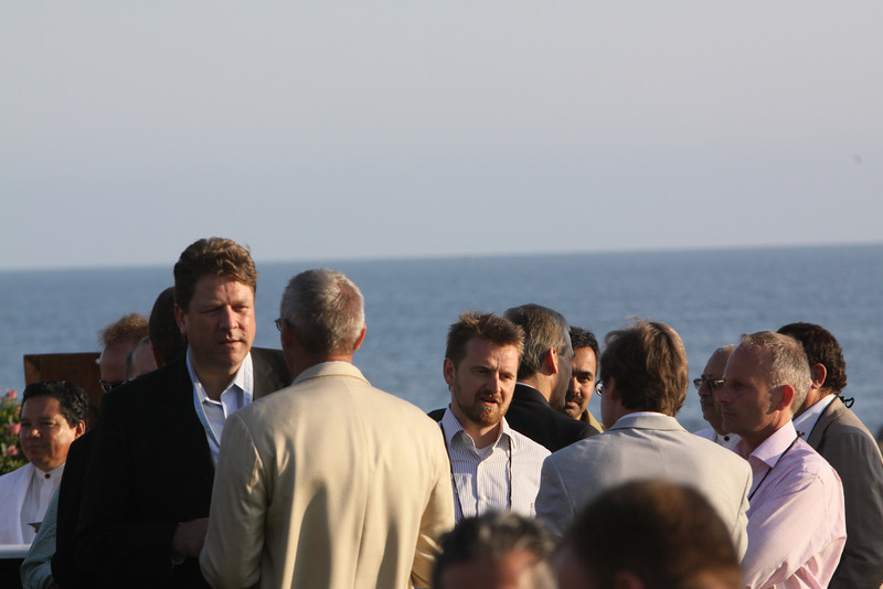 Facing the camera: Ragnar Kruse (L), Founder and CEO of Smaato, and Johan Varland, Manager of Consulting, Headworker