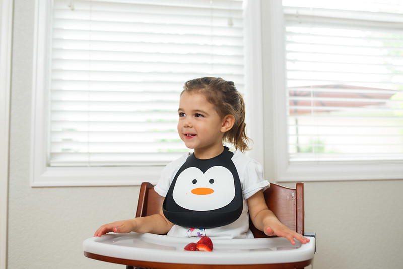 Make_My_Day_Bib_Penguin_lifestyle (83).JPG