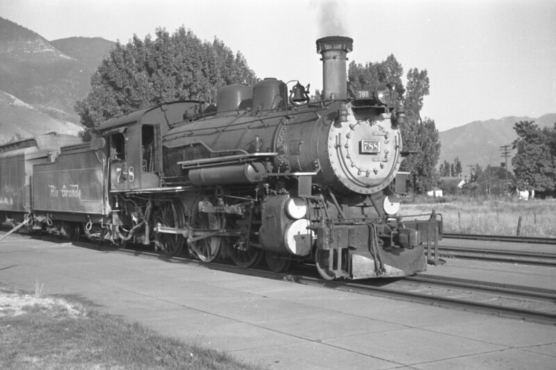D&RGW_4-6-0_788-with-train_Provo_1947_002_Emil-Albrecht-photo-0254-rescan.jpg