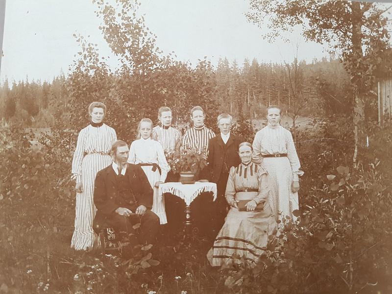 Farmor, farfar och fars syskon (anteckning av Eric Bergqvist)