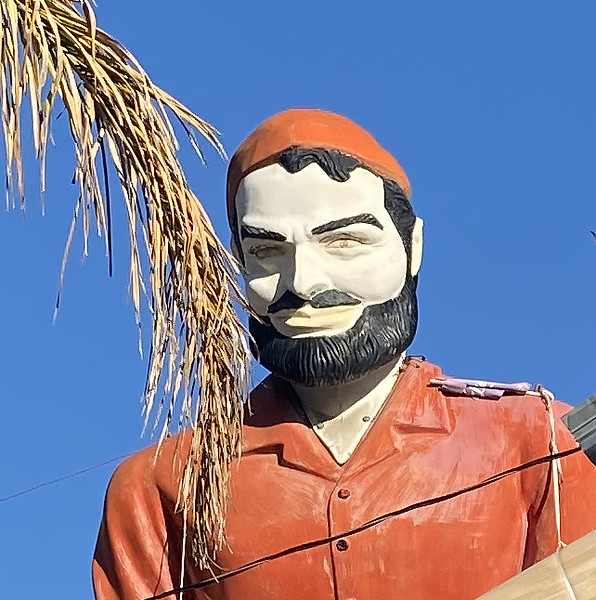 muffler man of mentone california - close up