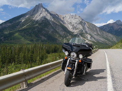 ALBERTA 2019 - Motorcycling through the Prairies and Rockies
