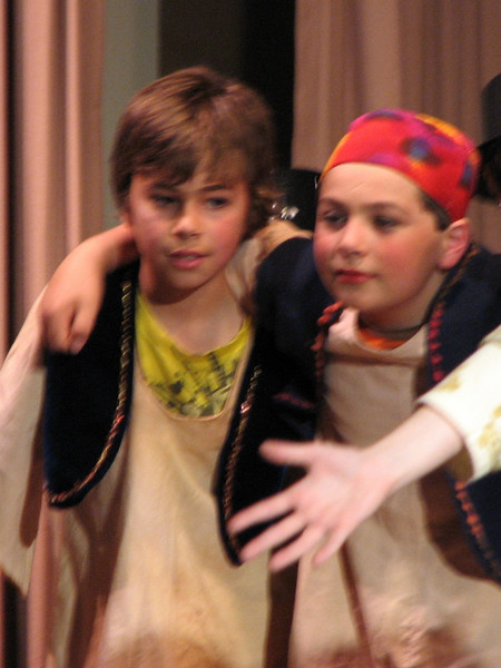 2010/04 - Arabian Nights Seth and Myles Play