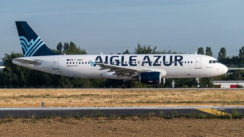Aigle Azur / Airbus A320-214 / F-HBAP