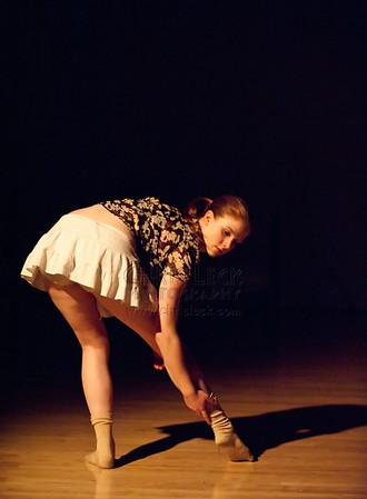 Agnieszka Laska Dancers 'Broken Flowers' 2012-03-17