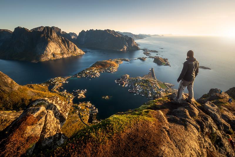 Reinebringen person hike hiking norway lofoten reine view sunrise landscape photography.jpg