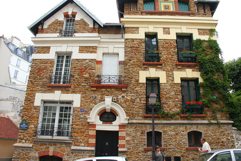 Built in 1795, this is one if many interesting buildings in the historic Montmartre sector of the city.
