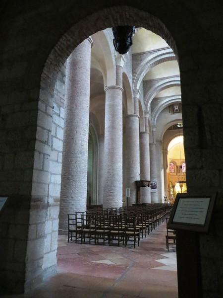 IMG_0946-Tournus-St-Philibert-Abbey-s.JPG