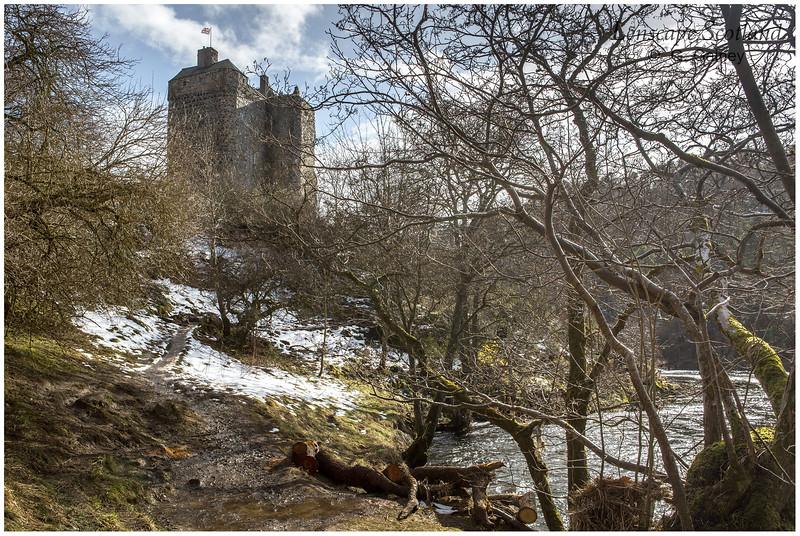 Neidpath Castle and River Tweed near Peebles (2)