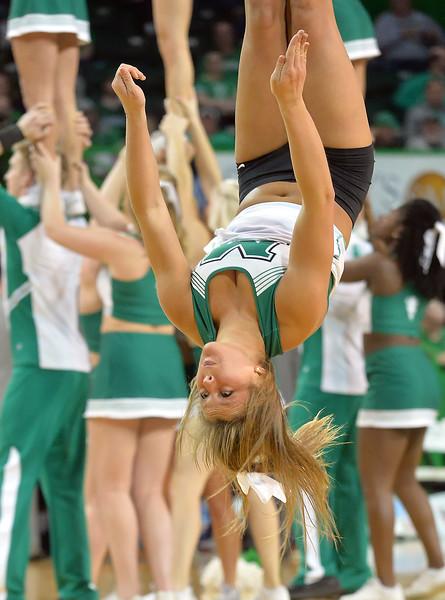 cheerleaders8713.jpg