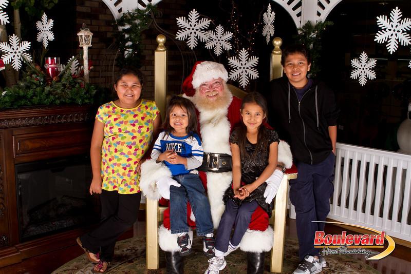 Santa Dec 15-255.jpg