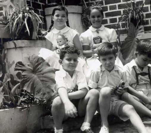 Tininha V. S.,Nélinha Rodrigues, Carlos Rodrigues, ?,  Jorge V.S