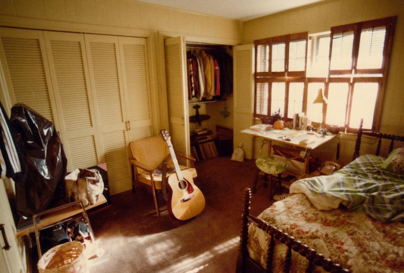 TWIN TREE LANE ROOM In 1983, after Doy and I went our separate ways, I moved into the back room of my sister Lyn's home on Twin Tree Lane in Dallas, near White Rock Lake. This was basically all my stuff. Boy, what I'd give to have just this much now.