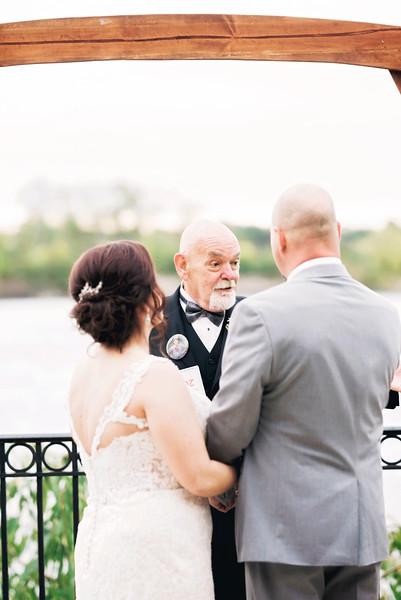 chateau-on-the-river-trenton-michigan-wedding-0269.jpg
