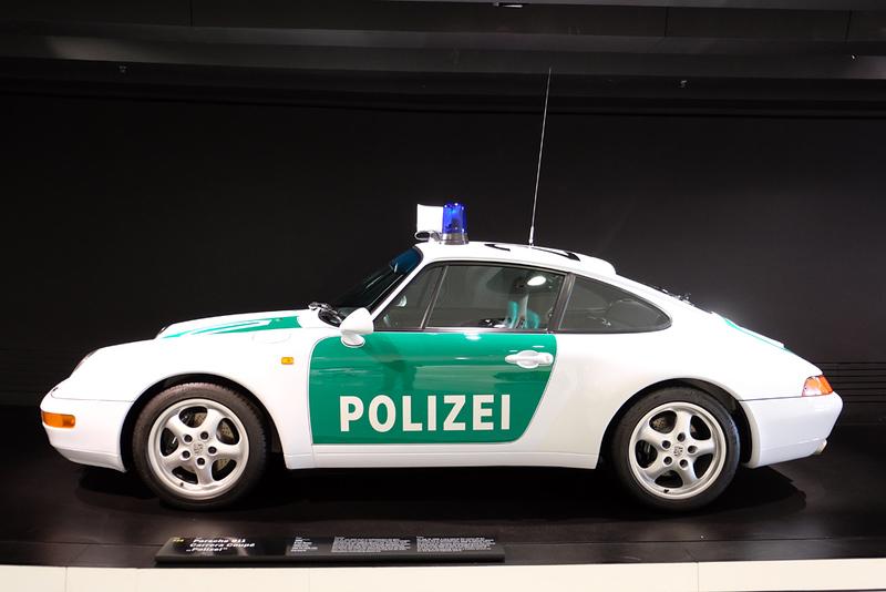 Porsche Museum Polizei.jpg