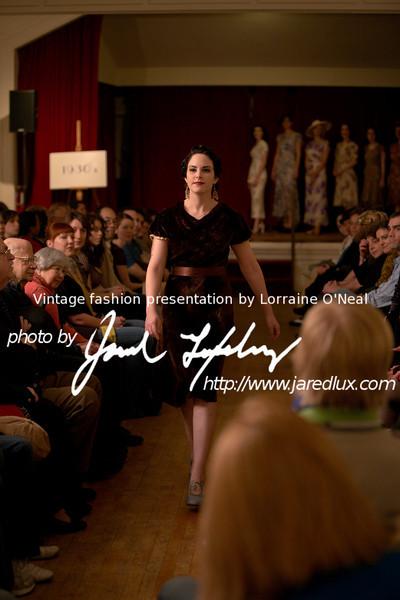 vintage_fashion_show_09_f0484808.jpg