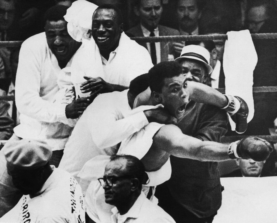 ". <p><b> Former heavyweight champ Muhammad Ali is back in the news amid reports that FBI investigators believed this was fixed by a Las Vegas mobster � </b> <p> A. Ali�s 1964 fight against Sonny Liston <p> B. Ali�s 1965 fight against Sonny Liston <p> C. Ali�s 1967 flight from the draft <p><b><a href=\' http://deadspin.com/the-fbi-believed-clay-liston-i-was-fixed-1530468244?utm_campaign=socialflow_deadspin_twitter&utm_source=deadspin_twitter&utm_medium=socialflow\' target=""_blank\"">HUH?</a></b> <p>   (Allsport Hulton/Archive)"