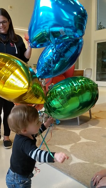20180127_IanBirthdayBalloons04.mp4