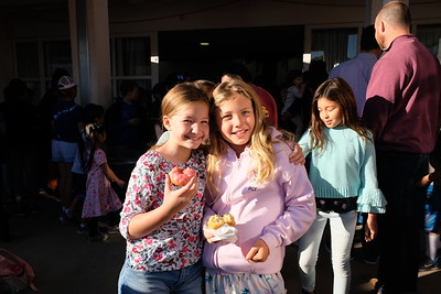 Valentine Elementary Hosts Donuts at Dawn