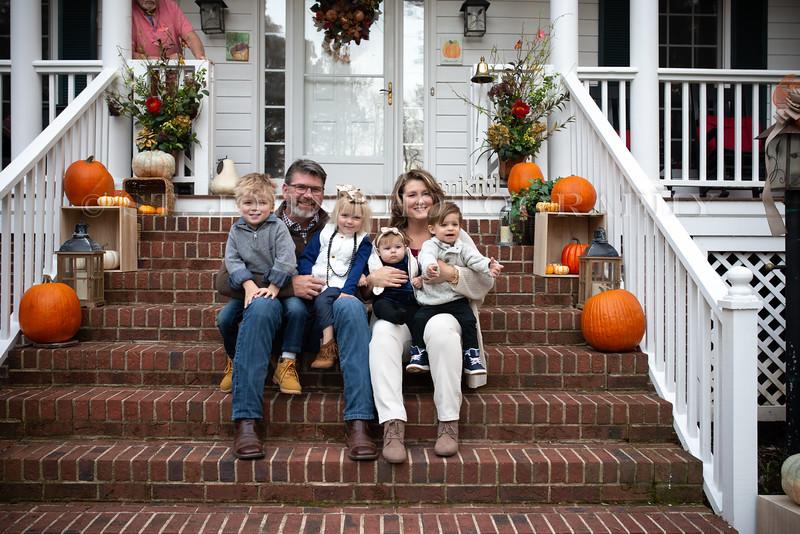 2019 November Ellis Family-70-245.jpg