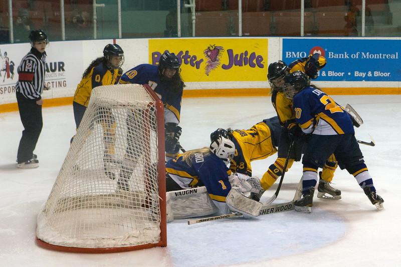 20130310 QWHockeyvsUBC 415.jpg