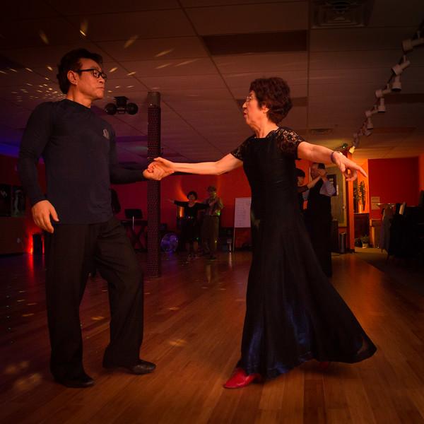 Moms Dance Class 2015-2049.jpg