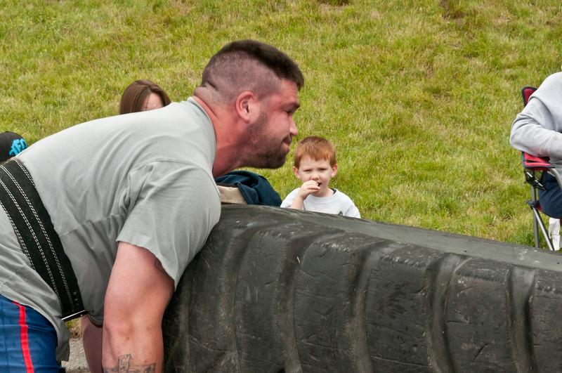 Fitness Revolution Strongman Challenge 2011_ERF4163.jpg