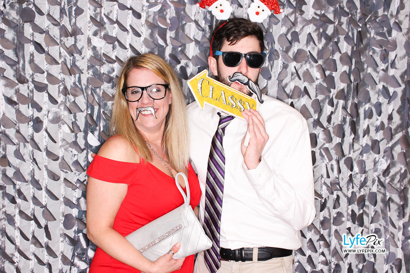 red-hawk-2017-holiday-party-beltsville-maryland-sheraton-photo-booth-0157.jpg