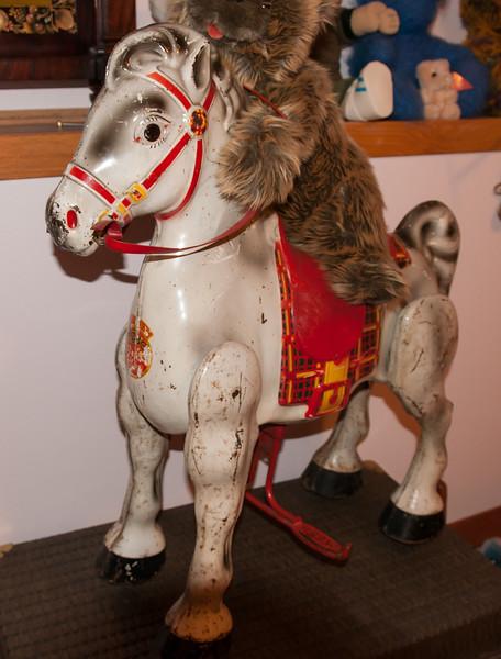 Mobo Bronco Toy Horse