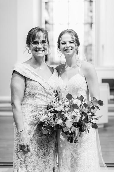 149_Ryan+Hannah_WeddingBW.jpg