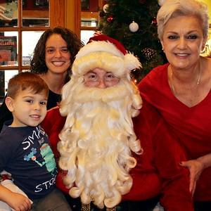 12/15/19- Santa @ Applebee's