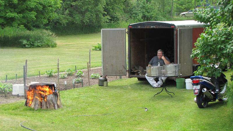 Daryl Larson preparing the fish boil