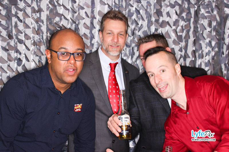 red-hawk-2017-holiday-party-beltsville-maryland-sheraton-photo-booth-0308.jpg