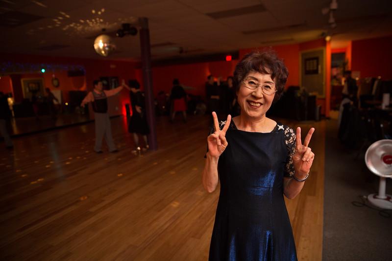 Moms Dance Class 2015-2084.jpg