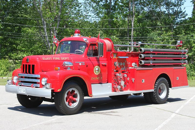 Engine 2  1964 International/Maxim  750/750