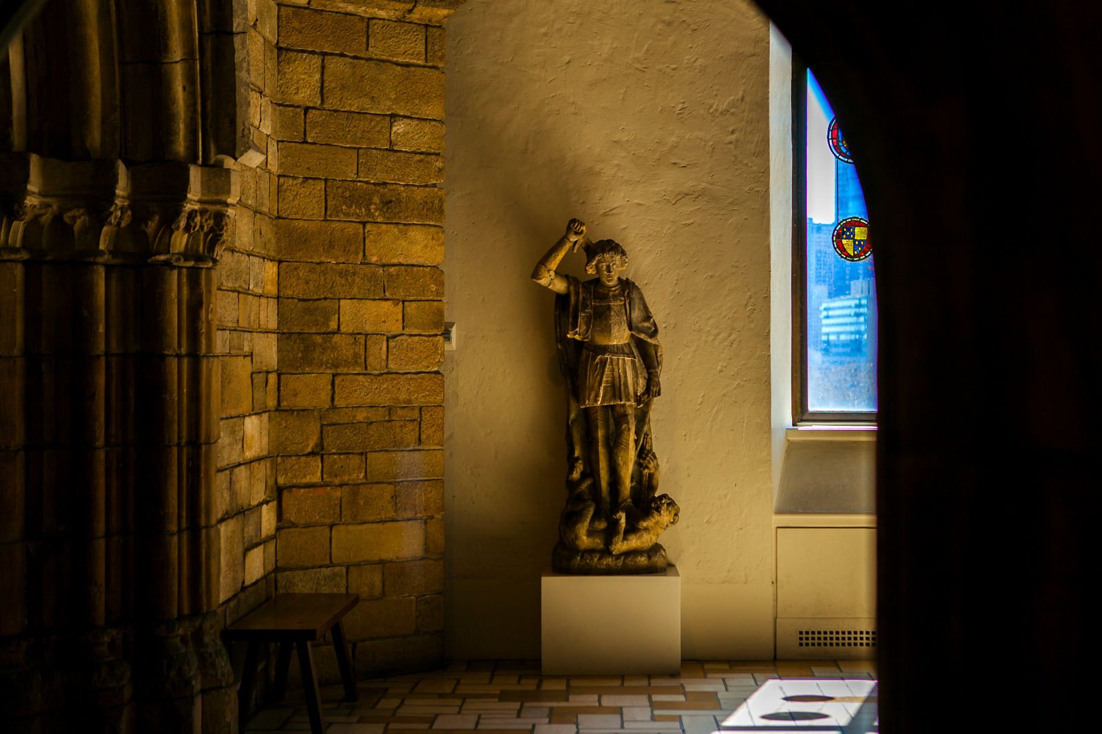 费城艺术馆,光影下的艺术品