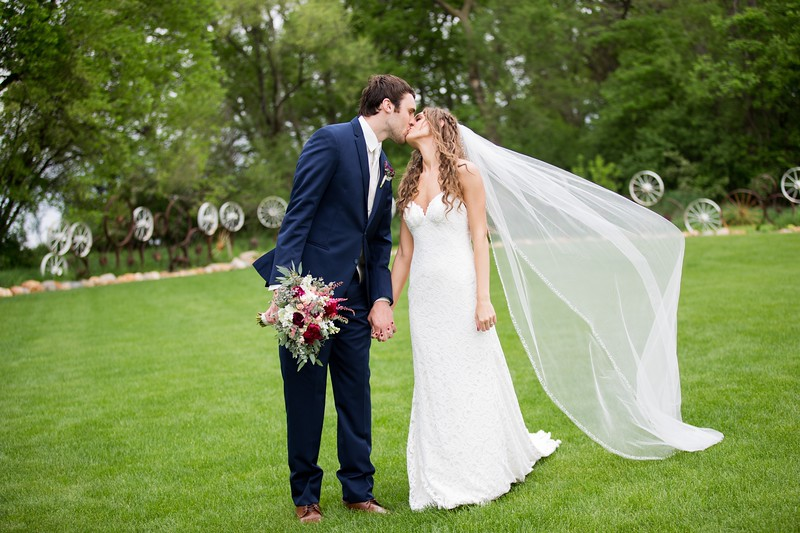 001 wedding photographer couple love sioux falls sd photography.jpg