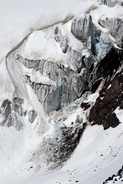 080502 2195 Russia - Mount Elbruce - Day 2 Trip to 15000 feet _E _I ~E ~L.JPG