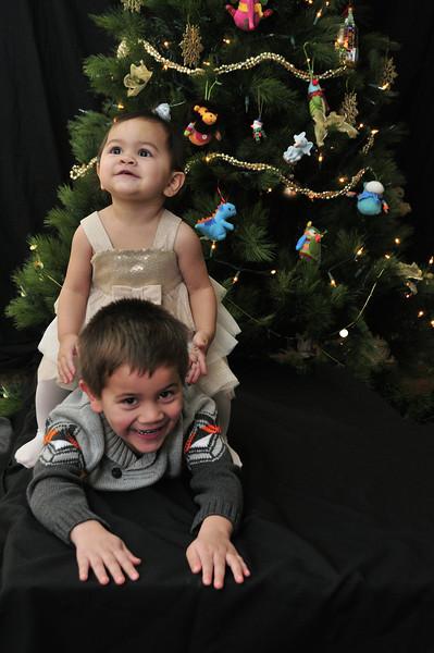 2012-12-16 Owen and Elise Christmas Card Photos 046.jpg