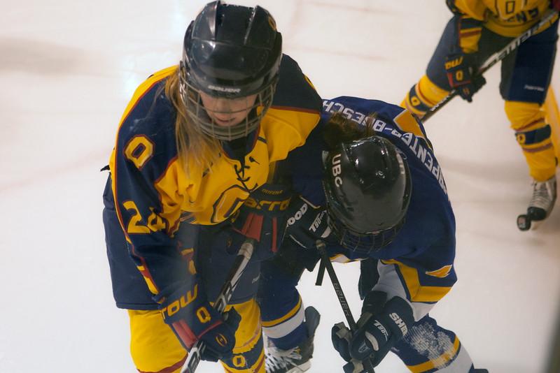 20130310 QWHockeyvsUBC 703.jpg