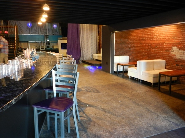 Fifth Avenue Lounge