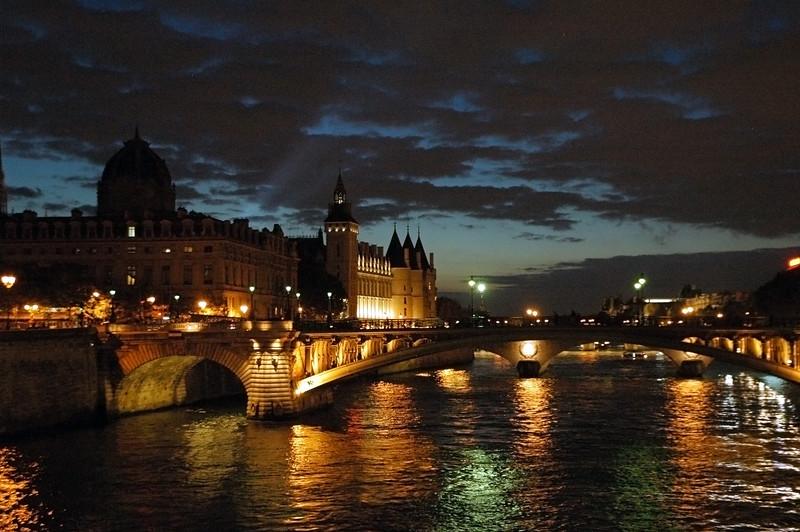RiverSeineNight.jpg