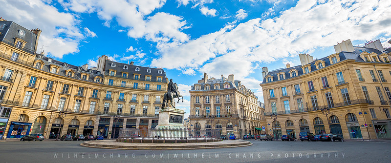 Place-des-Victoires-Small.jpg