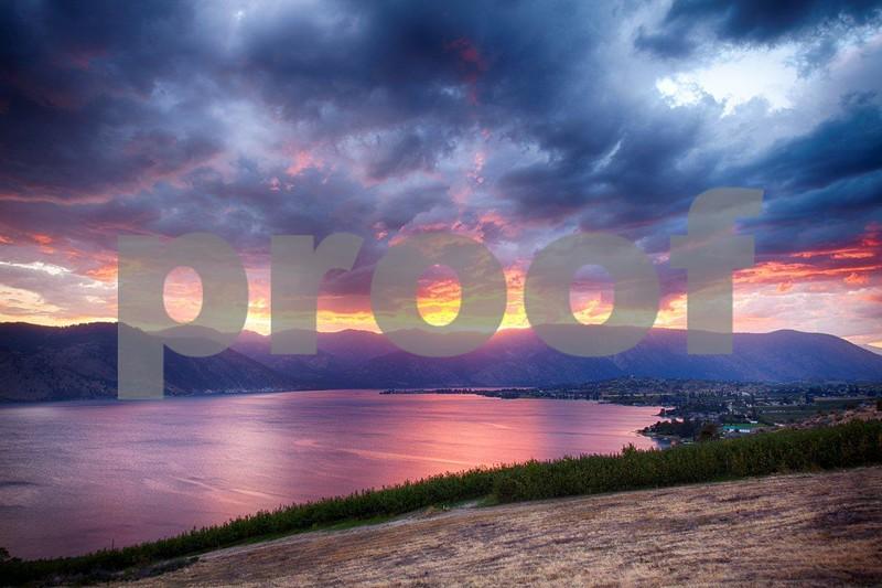Lake Chelan sunset 1015_HDR.jpg