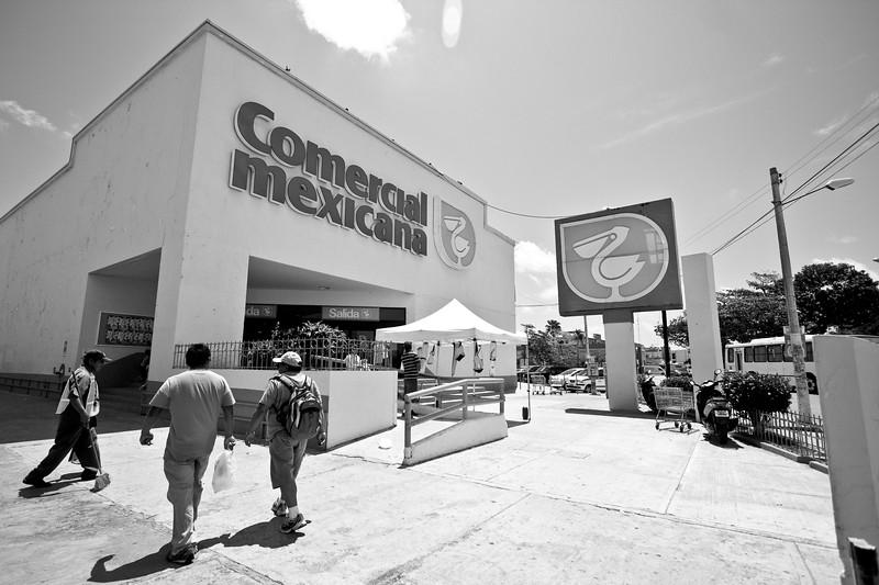 main-grocery-store-in-cancun_4495871416_o.jpg