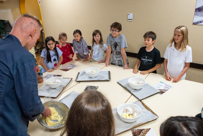 ES After School Activities-Cooking with Dragon Dining-ELP_2250-2018-19.jpg