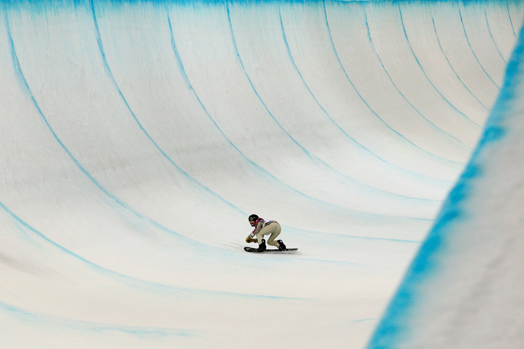 . Shaun White, of the United States, competes in the men\'s snowboard halfpipe final at the Rosa Khutor Extreme Park, at the 2014 Winter Olympics, Tuesday, Feb. 11, 2014, in Krasnaya Polyana, Russia. White placed fourth. (AP Photo/Jae C. Hong)