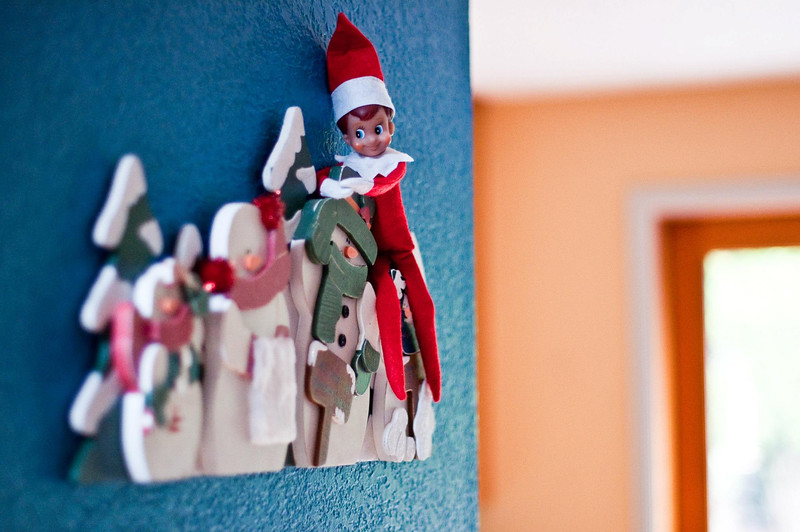 ellken-elfOnAShelf-20121208-Day6.jpg
