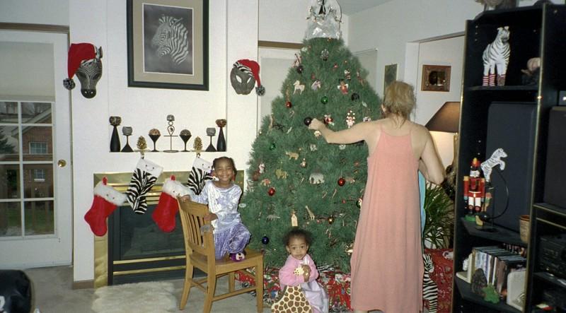 2001-12-23  Grand Daughters Chrstmas Visit 0014.jpg