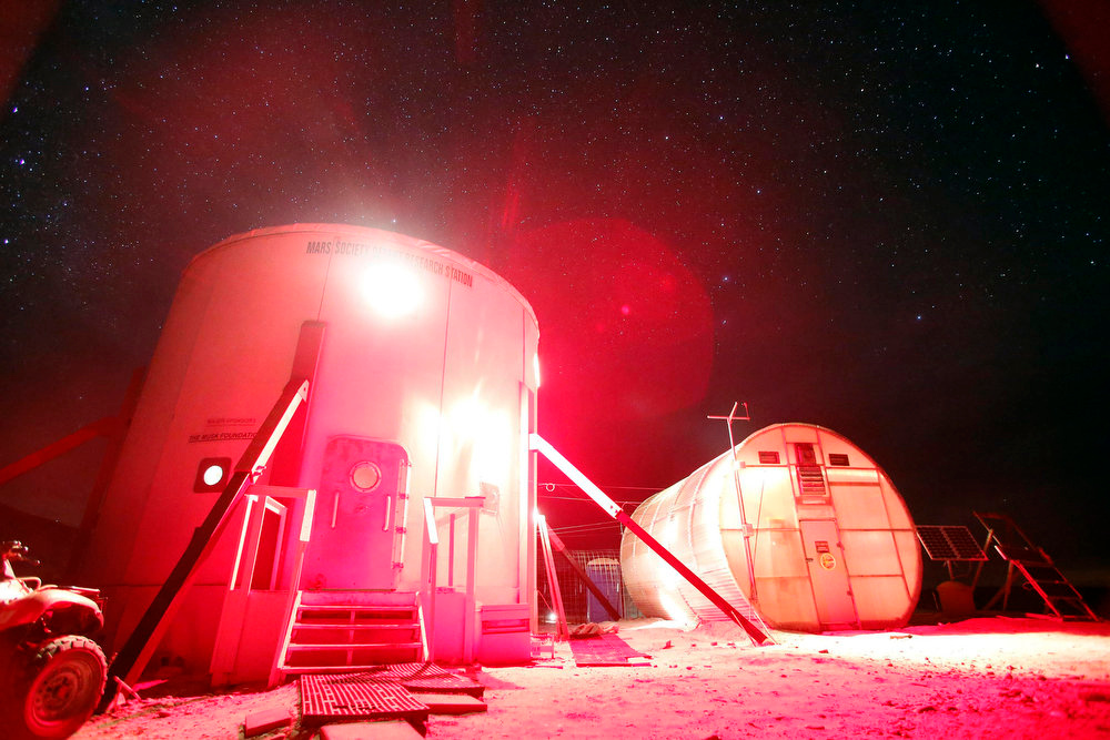 Description of . A view of the night sky above the Mars Desert Research Station (MDRS) is seen outside Hanksville in the Utah desert March 2, 2013.  REUTERS/Jim Urquhart